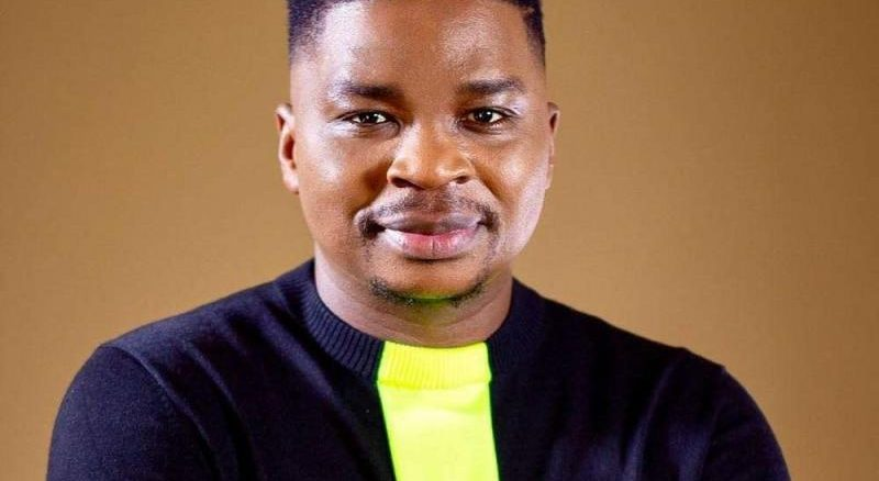 DOWNLOAD MP3: Dr Tumi – Udumo (Praise)